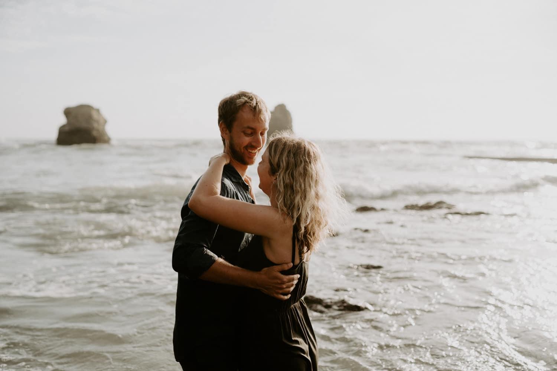 seance-couple-ocean-mer-photographe-vendee-dorotheebuteau