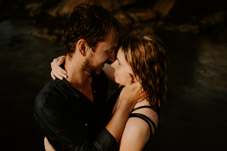 seance-couple-mer-photographe-mariage-corse-dorotheebuteau